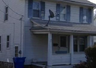 Casa en ejecución hipotecaria in Waterbury, CT, 06705,  FAIRLAWN AVE ID: F4255033