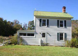 Casa en ejecución hipotecaria in Mathews Condado, VA ID: F4255325
