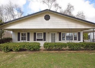 Foreclosed Home in PERSHING AVE, Middletown, OH - 45044
