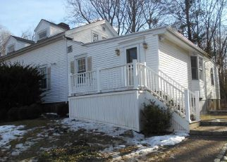 Foreclosed Home en AMITY RD, Woodbridge, CT - 06525