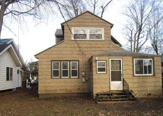 Casa en ejecución hipotecaria in South Bend, IN, 46615,  CLOVER ST ID: F4257004
