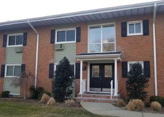 Casa en ejecución hipotecaria in North Babylon, NY, 11703,  DEER PARK AVE ID: F4257206