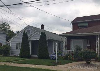 Casa en ejecución hipotecaria in Wilkes Barre, PA, 18706,  LYNDWOOD AVE ID: F4257603