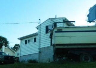Casa en ejecución hipotecaria in Tarentum, PA, 15084,  BLUEBERRY LN ID: F4257607