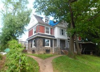 Foreclosed Home en WINGOHOCKING HTS, Philadelphia, PA - 19144