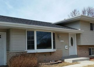 Foreclosed Home en JOPER RD, Menomonee Falls, WI - 53051