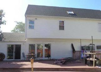 Foreclosed Home en ARACA RD, Babylon, NY - 11702