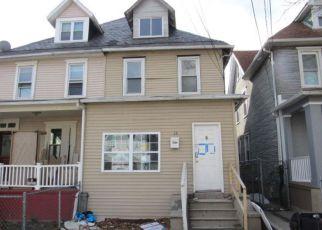 Casa en ejecución hipotecaria in Camden, NJ, 08105,  S 33RD ST ID: F4260132