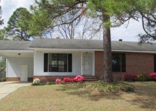 Casa en ejecución hipotecaria in Hope Mills, NC, 28348,  PERSIMMON RD ID: F4260354