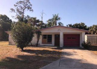 Casa en ejecución hipotecaria in North Fort Myers, FL, 33917,  QUEEN CT ID: F4260602