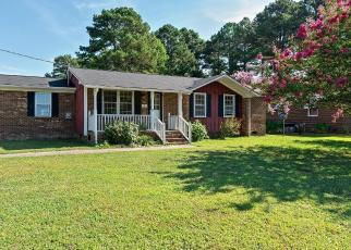 Foreclosed Home in PINEVIEW RD, Kenly, NC - 27542