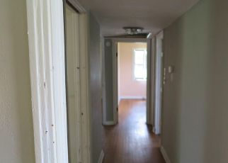 Foreclosed Home en SE 69TH AVE, Hawthorne, FL - 32640