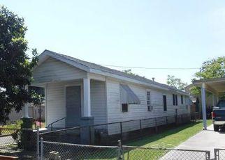 Casa en ejecución hipotecaria in Harvey, LA, 70058,  FAIRMONT ST ID: F4262471