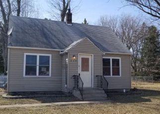 Casa en ejecución hipotecaria in Cambridge, MN, 55008,  EMERSON ST N ID: F4262648