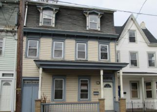 Casa en ejecución hipotecaria in Burlington, NJ, 08016,  YORK ST ID: F4263068