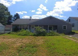 Casa en ejecución hipotecaria in Fairless Hills, PA, 19030,  BERKSHIRE RD ID: F4263364