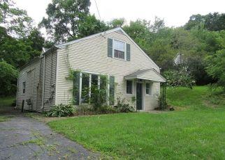 Casa en ejecución hipotecaria in Maybrook, NY, 12543,  OAK ST ID: F4263536