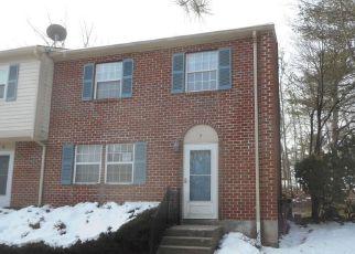 Casa en ejecución hipotecaria in West Warwick, RI, 02893,  GOVERNORS HL ID: F4264881