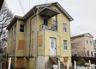Casa en ejecución hipotecaria in New Haven, CT, 06511,  WALNUT ST ID: F4266651