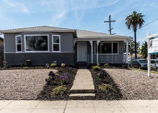 Casa en ejecución hipotecaria in Los Angeles, CA, 90018,  W 37TH PL ID: F4266810