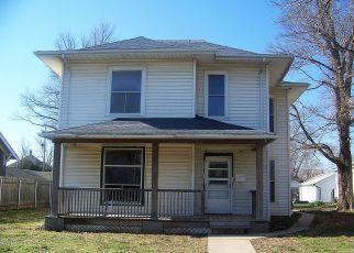 Casa en ejecución hipotecaria in Hutchinson, KS, 67501,  E AVENUE A ID: F4267409