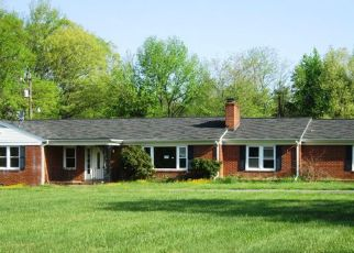 Foreclosed Home en MARSHALL CORNER RD, Pomfret, MD - 20675