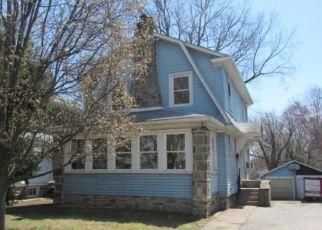 Casa en ejecución hipotecaria in Prospect Park, PA, 19076,  9TH AVE ID: F4268212