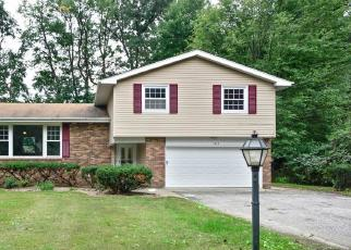Foreclosed Home en CLEARMONT DR, Mentor, OH - 44060