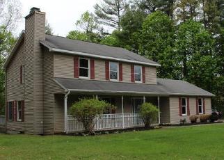 Foreclosed Home en PINEBROOK DR, Ballston Spa, NY - 12020