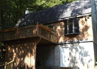 Foreclosed Home en ROHLAND LN, Pittston, PA - 18643