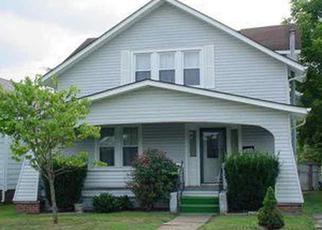 Casa en ejecución hipotecaria in Huntington, WV, 25704,  HUGHES ST ID: F4269950