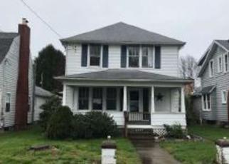 Casa en ejecución hipotecaria in Parkersburg, WV, 26104,  33RD ST ID: F4269954