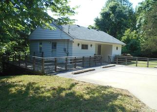 Foreclosed Home in DEPPE LN, Fairview Heights, IL - 62208
