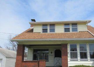 Casa en ejecución hipotecaria in Massillon, OH, 44647,  OVERLOOK AVE SW ID: F4270264