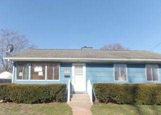 Casa en ejecución hipotecaria in Michigan City, IN, 46360,  COUDEN AVE ID: F4270358
