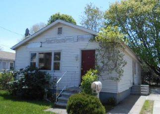 Casa en ejecución hipotecaria in Stratford, CT, 06615,  FEELEY ST ID: F4270743