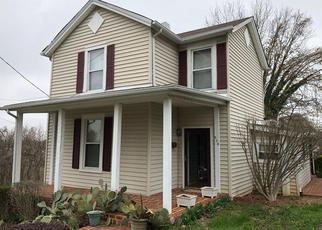 Casa en ejecución hipotecaria in Lynchburg, VA, 24504,  MONROE ST ID: F4270815