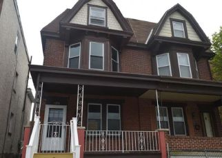 Foreclosed Home en SWEDE ST, Norristown, PA - 19401
