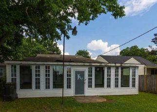 Casa en ejecución hipotecaria in Decatur, AL, 35601,  7TH AVE SE ID: F4272050