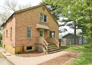 Foreclosed Home in ROBERTS RD, Mchenry, IL - 60051
