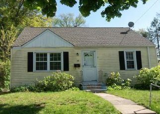 Casa en ejecución hipotecaria in Hartford, CT, 06112,  EUCLID ST W ID: F4272781