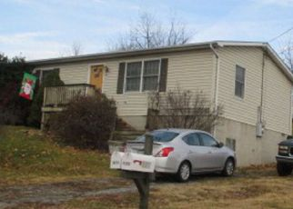 Foreclosed Home en W 18TH ST, Front Royal, VA - 22630