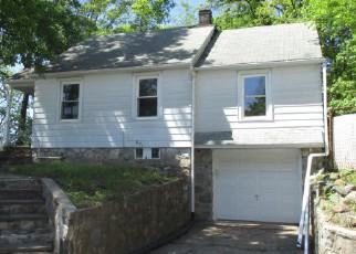 Casa en ejecución hipotecaria in Waterbury, CT, 06705,  MILL PLAIN AVE ID: F4273199