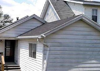 Casa en ejecución hipotecaria in New Kensington, PA, 15068,  ORCHARD AVE ID: F4273712