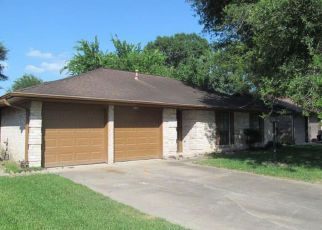 Casa en ejecución hipotecaria in Houston, TX, 77090,  HOLLOW WOOD DR ID: F4273814