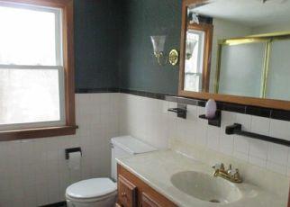 Foreclosed Home en WEST ST, Windsor Locks, CT - 06096