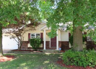 Foreclosed Home en MONKS HOLLOW DR, Florissant, MO - 63031