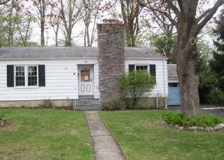 Casa en ejecución hipotecaria in Waterbury, CT, 06708,  MIDWOOD AVE ID: F4276388