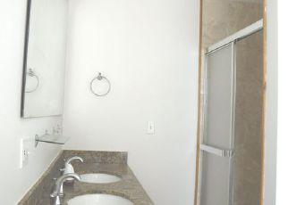 Foreclosed Home en S KENWOOD AVE, Chicago, IL - 60637