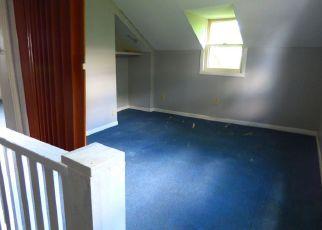 Foreclosed Home en E BOMBAY RD, Hope, MI - 48628